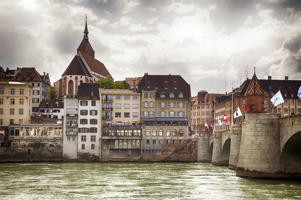 Basel Zentrum mit Rhein