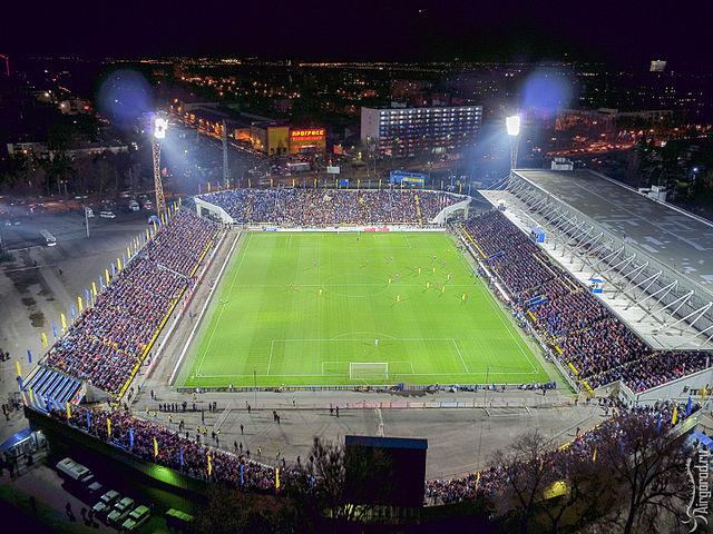 Stadion FK Rostow Olimp-2 bei Nacht