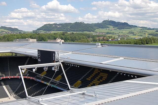 Stade de Suisse Wankdorf mit Solardach