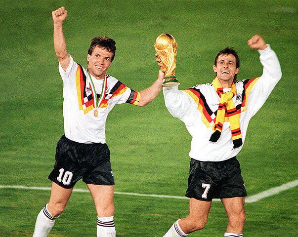 Weltmeister Pierre Littbarski und Matthäus WM 1990
