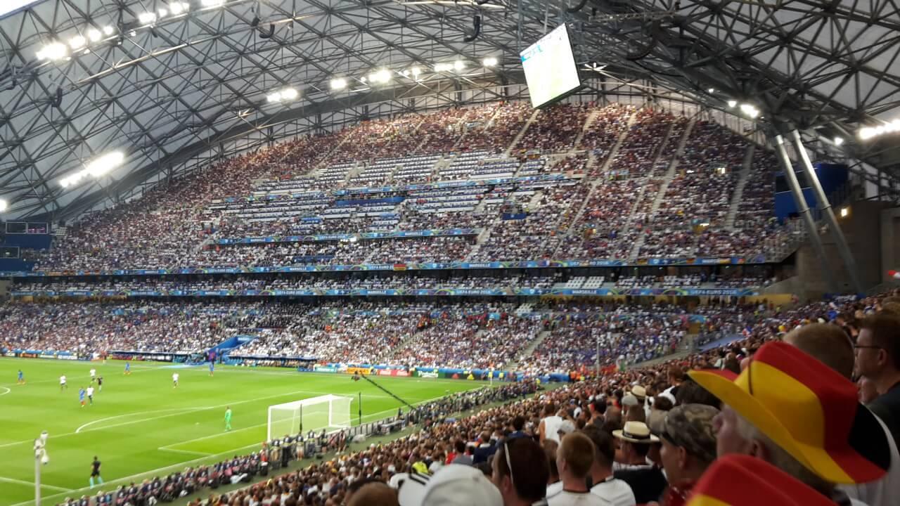 Blick aus Gästeblock Marseille Deutschland Frankreich