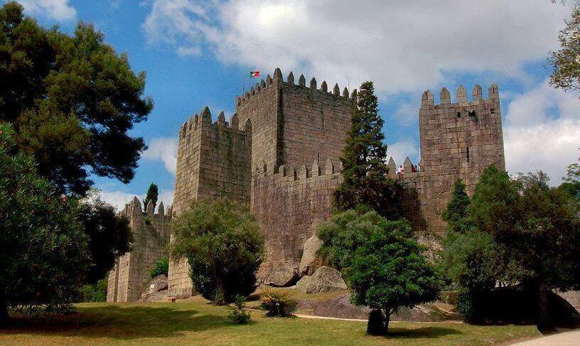 Castelo in Guimaraes - Vitória Guimaraes
