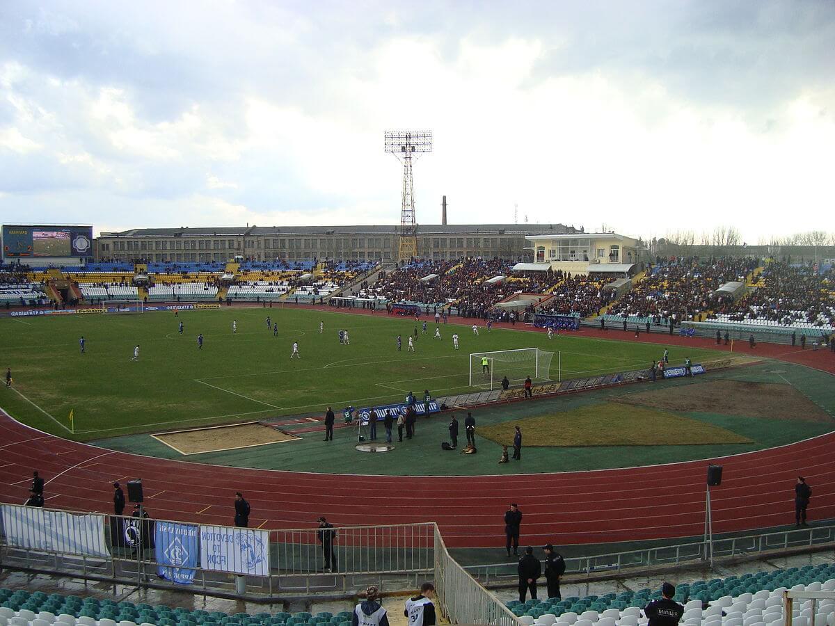 Avanhard-Stadion Innenansicht Sorja Luhansk
