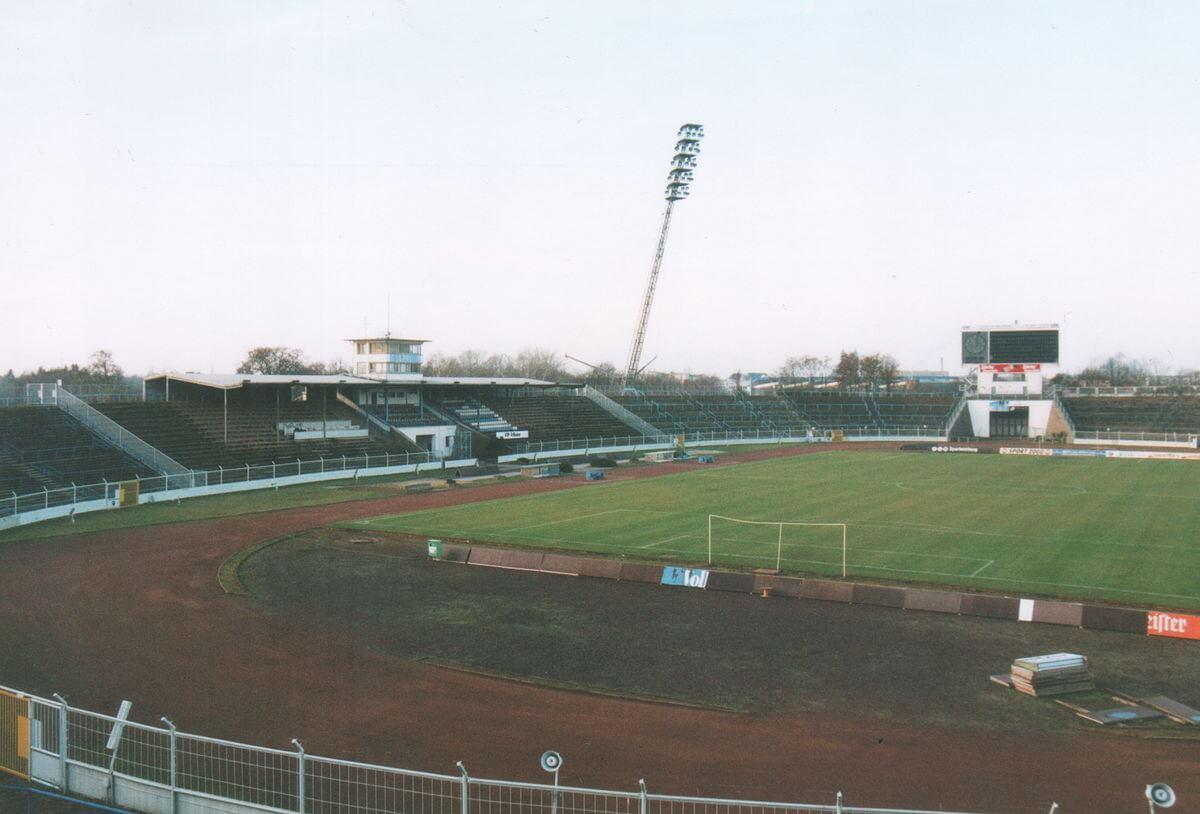 Haupttribüne_ Ernst-Grube-Stadion Magdeburg