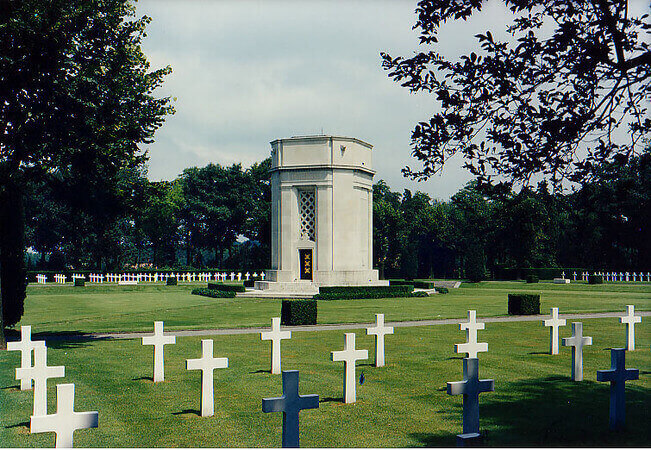 Flanders Field American Cemetery and Memorial, Waregem