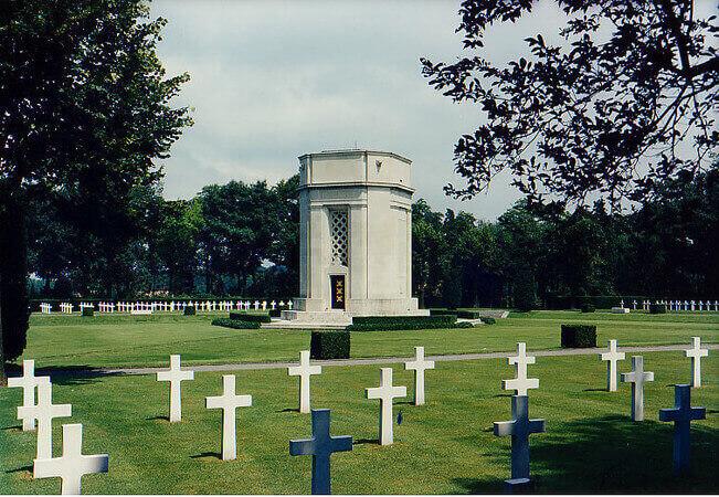 Flanders Field American Cemetery and Memorial, Waregem